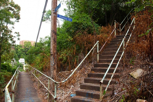 Did you know Oakland is connected by secret staircases?