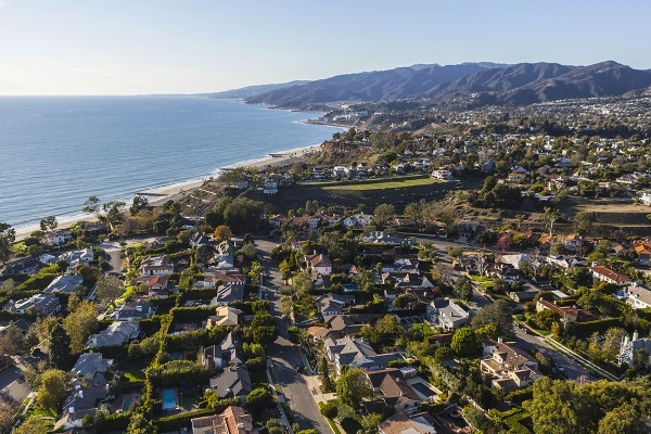 Pacific Palisades Condo Sale Prices Up 41 Percent in Q3