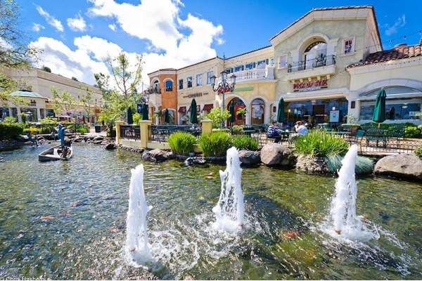 6 Reasons to Live in Calabasas, CA