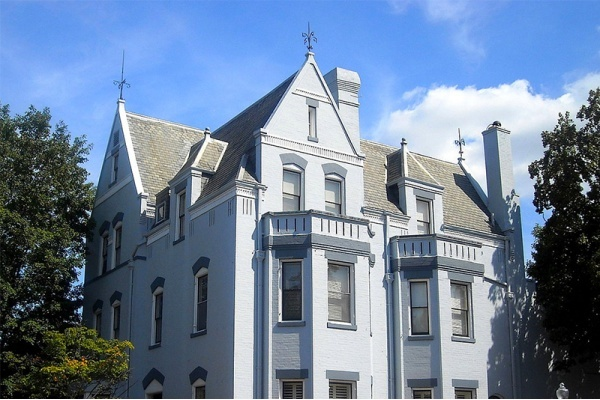 Title photo - D.C. Has the Second Most Home Sales Topping the $1 Million on the East Coast