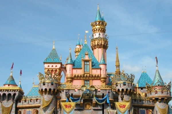 A First-Timer's Guide to Visiting Disneyland