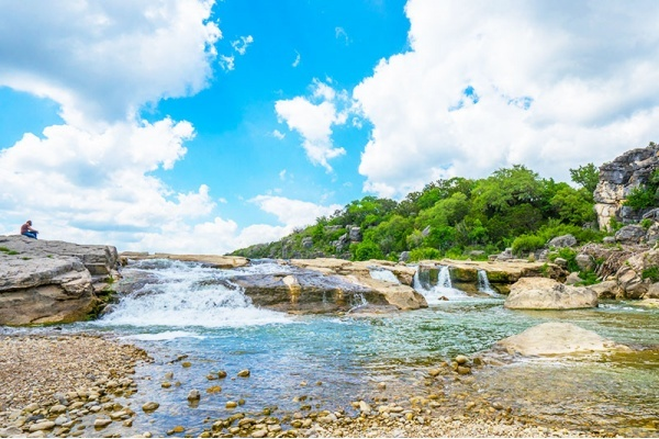 4 Austin-Area Neighborhoods With Can't-Miss Waterfalls