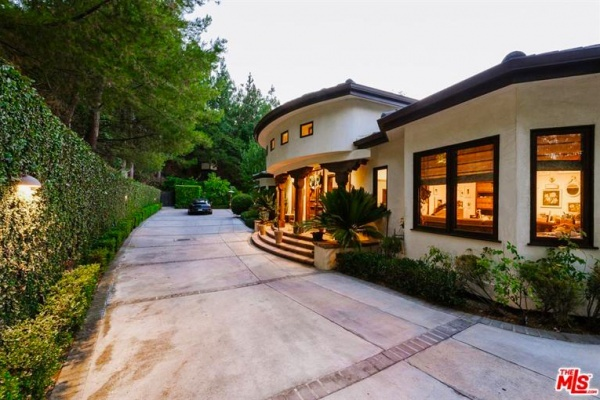 Forest Whitaker Lists Hollywood Hills Compound for $5.9 Million