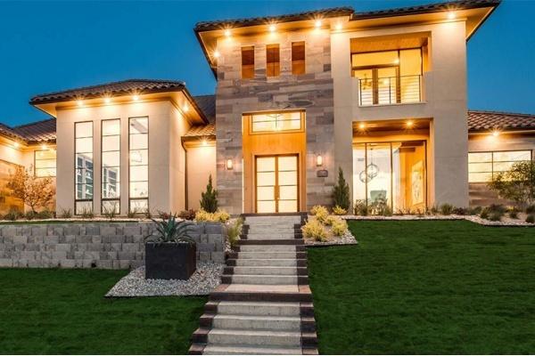 Award-Winning Luxury Builder Brings 'Wow' Factor to Frisco Custom Homes