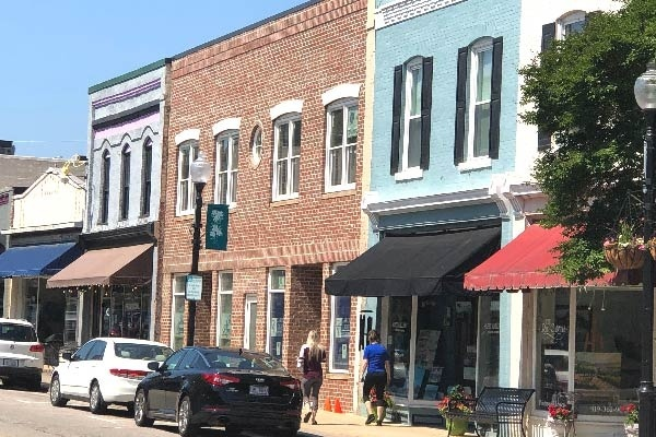 5 Reasons to Live in Apex, North Carolina