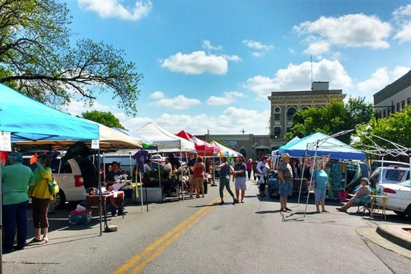 Where To Find the Freshest Farmers Markets In the Austin Area