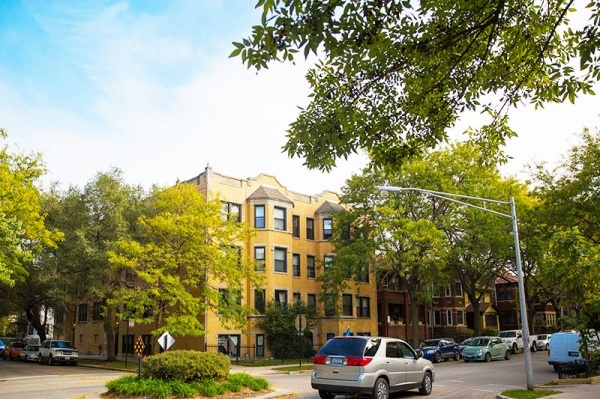 4 Reasons to Call Chicago's West Ridge Home
