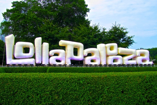 A First-Timer's Guide to Surviving Lollapalooza in Chicago