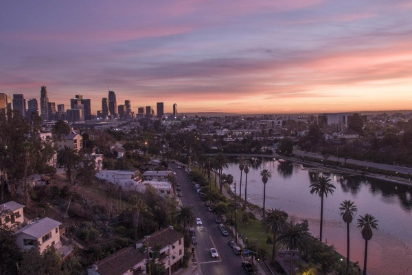 Title photo - The 5 Best Los Angeles Neighborhoods for Bar-Hopping