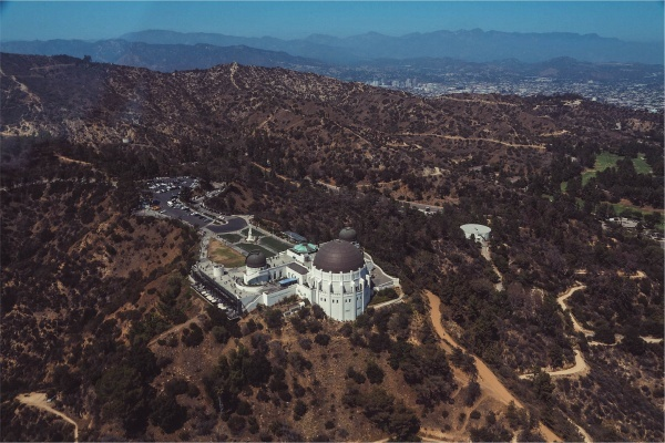 5 Los Angeles Neighborhoods Near Griffith Park
