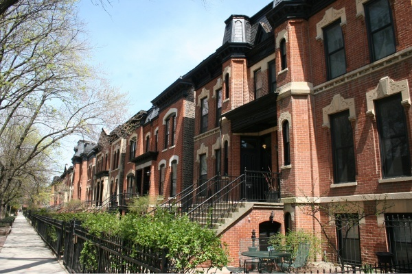 Title photo - Getting to Know the Historic Districts of Chicago