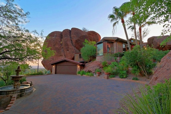 $2.5M Phoenix House Literally Built Into the Mountain