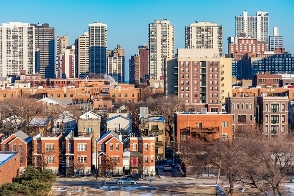 Chicago Condos vs. Single-Family Homes: What's the Best Home Type for You?