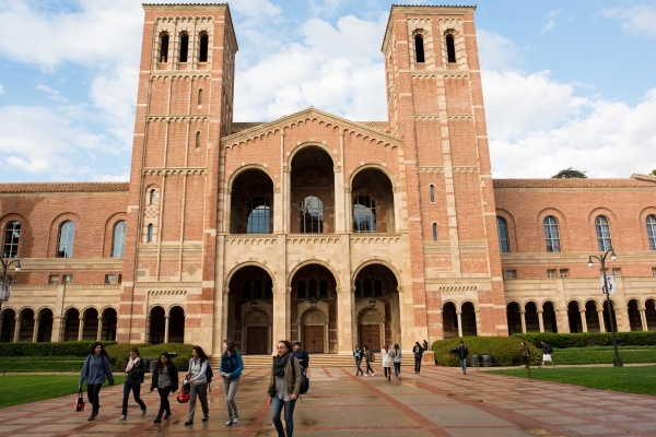 UCLA Students Plan to Create Their Own Neighborhood Council