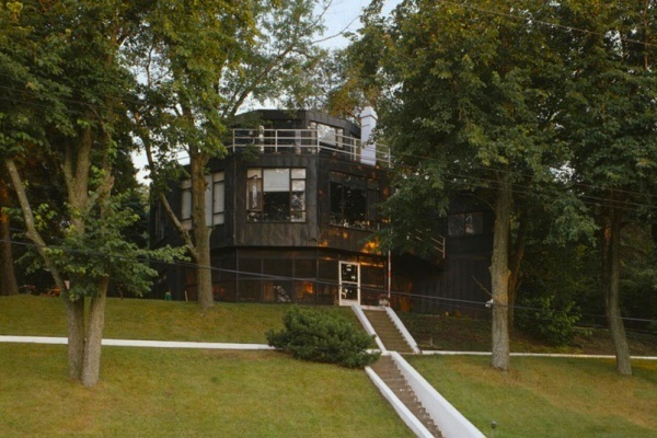 Futuristic Home Built During 1933 Chicago World's Fair Being Restored