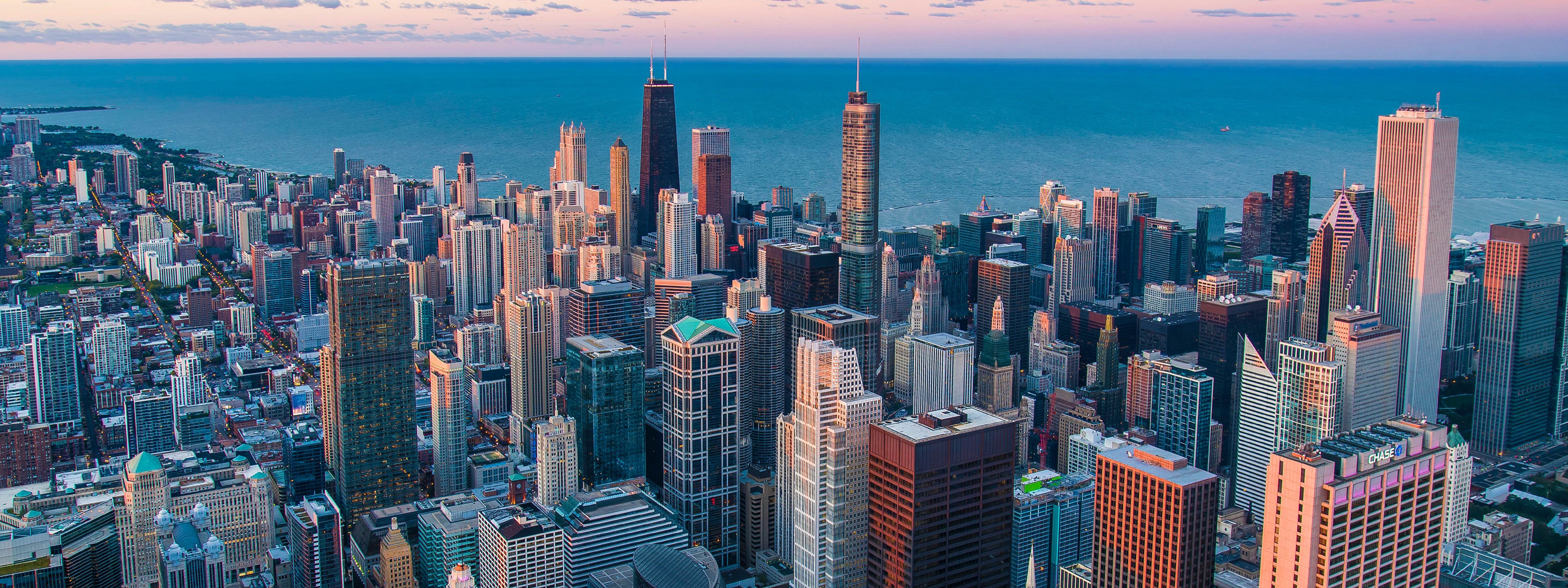 Romance in Chicago: 4 Neighborhoods for Valentine's Day Celebrations