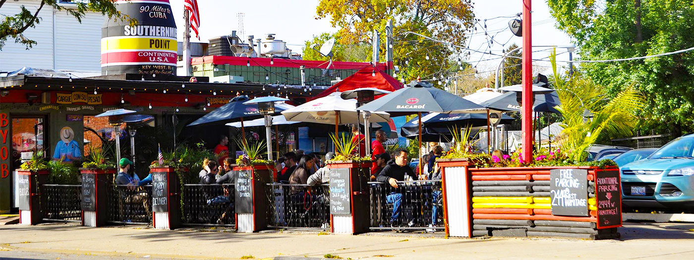4 Chicago Neighborhoods That Give the City Its Foodie Haven Reputation