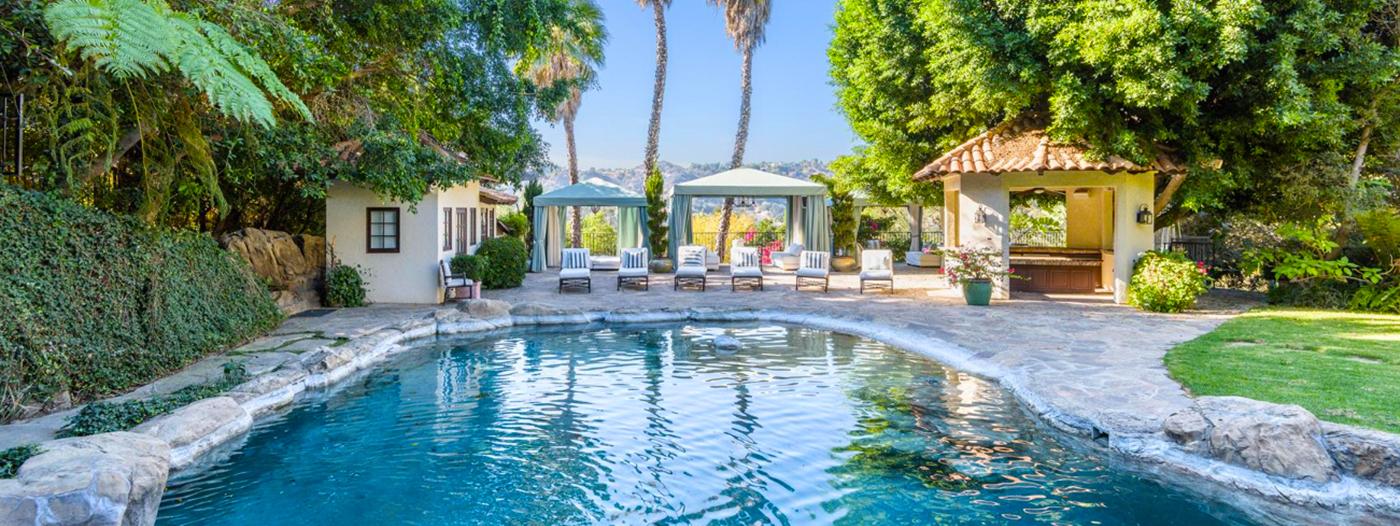 Feel the Vibration of Mark Wahlberg's Former Beverly Hills Estate for $18 Million