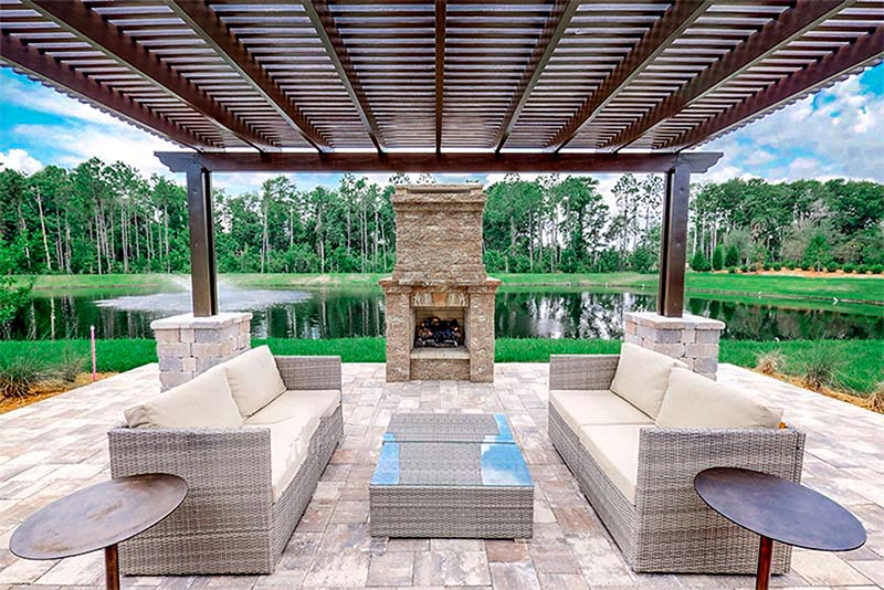 An outdoor barbecue area in Nocatee, Florida