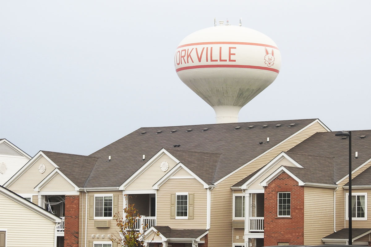 Yorkville Illinois Watertown condo