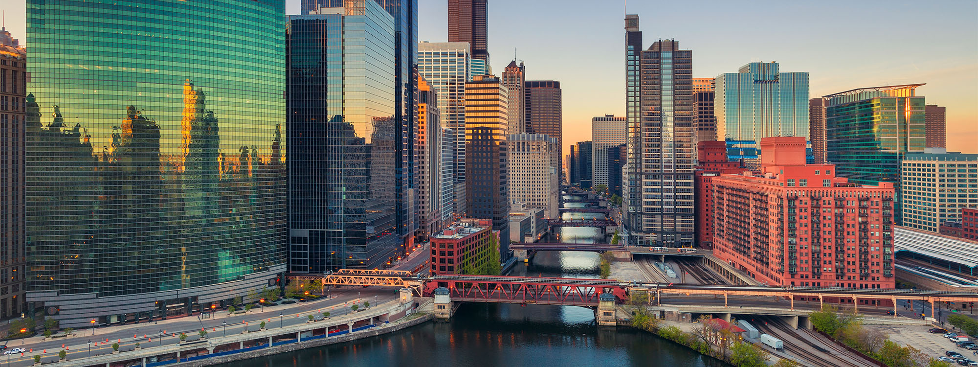 Title photo - 5 Ways to Explore Chicago Without Leaving Your Home