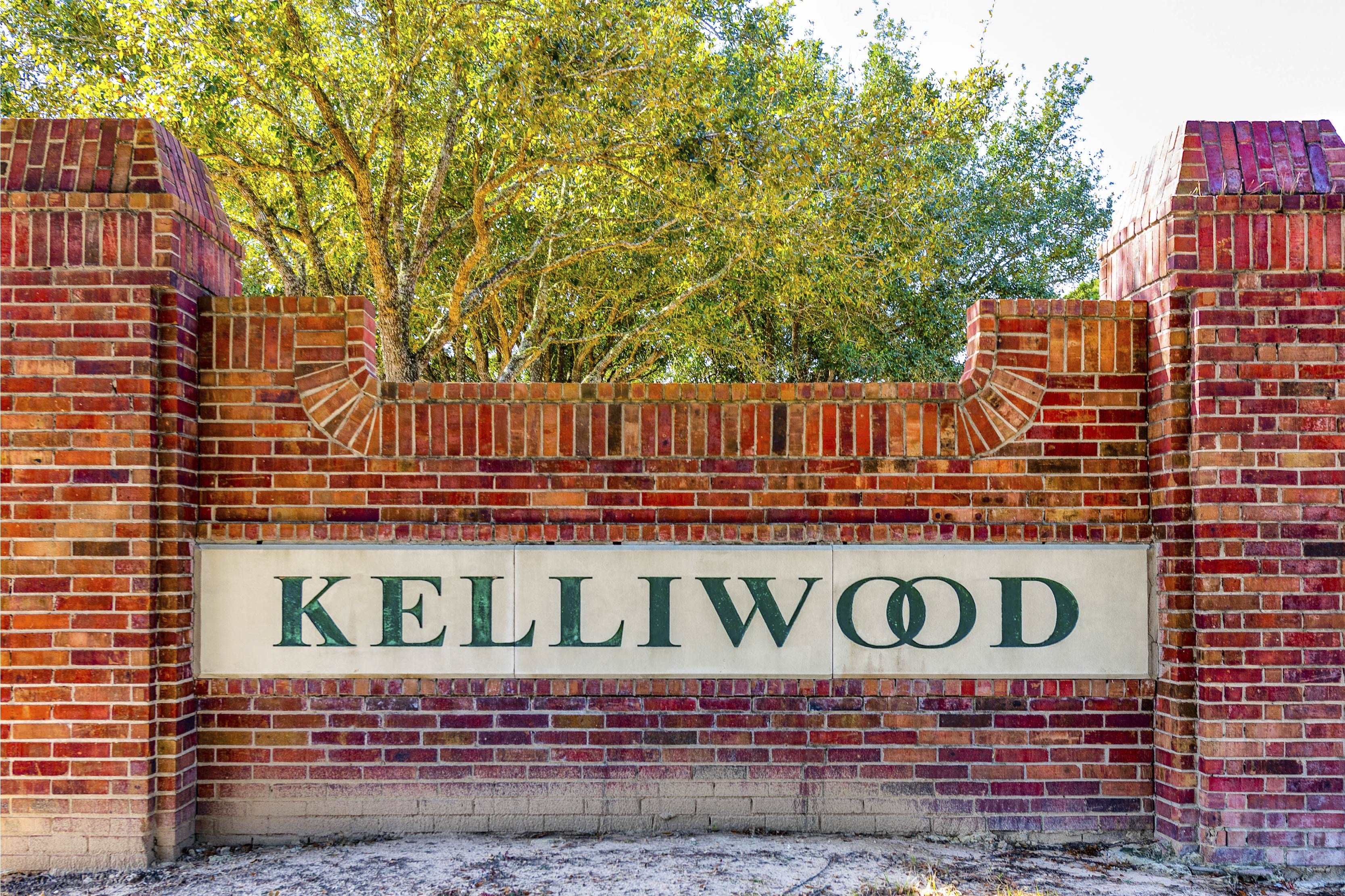 Kelliwood Entrance